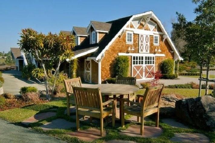 Maple Leaf Estate in Los Altos