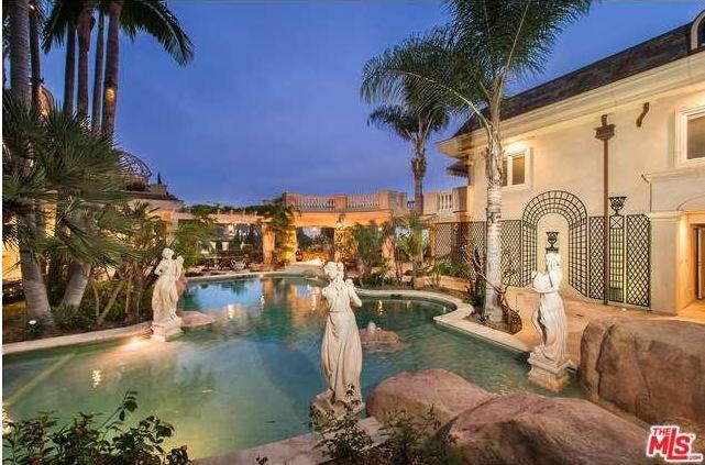 bellagio road villa in LA