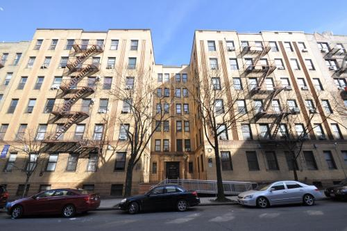 Property photo for 3530 Dekalb Avenue, Bronx, NY 10467 .